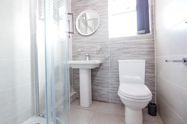 DPF Bathrooms (1)